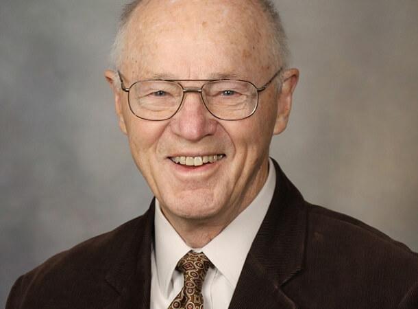 Dr. Gene Hunder
